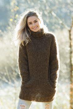 Høst genser - Viking of Norway Viking Designs, Alpacas, Mittens, Norway, Vikings, Crochet, Knitting Patterns, Turtle Neck, Wool