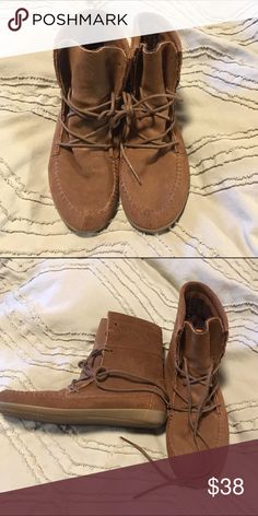 Vans booties size 6 Worn once in perfect condition Vans Shoes Ankle Boots & Booties