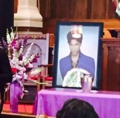Private family memorial in Minneapolis August 2016 Prince Paisley Park, Prince And Mayte, Photos Of Prince, Young Prince, Dearly Beloved, Roger Nelson, Prince Rogers Nelson, Purple Reign, Always Love You