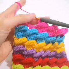 Crochet Motifs, Crochet Stitches Patterns, Crochet Designs, Free Crochet, Knit Crochet, Knitting Patterns, Learn Crochet, Crochet Flower Tutorial, Crochet Instructions