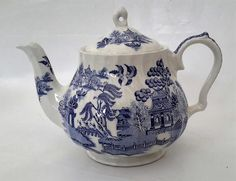 Vintage 'Sadler' Blue and White Teapot, Blue Willow Pattern, English Pottery, Large 6 cup capacity, Porcelain Tea Pot. by NanaBarbarastreasure on Etsy