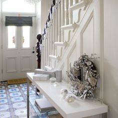 Festive hallway | Small hallway ideas | PHOTO GALLERY | 25 Beautiful Homes | Housetohome.co.uk