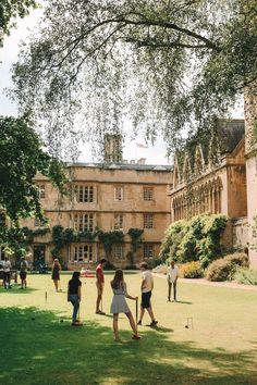 Oxford Student, Oxford College, Boarding School Aesthetic, College Aesthetic, Estilo Ivy, Exeter College, San Myshuno, Dream School, Old Money