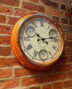Orange retro wall clock in style cafe design feel the quirky in your home cool vibrant colour station clock, its will surely brighten your day Retro Kitchen Clocks, Kitchen Wall Clocks, Retro Clock, Vintage Kitchen, Retro Vintage, Vintage Clocks, Orange Wall Clocks, Novelty Clocks, Mantel Clocks