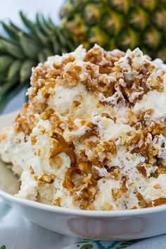 Pineapple Pretzel Fluff Recipes Pineapple Pretzel Fluff is an easy to make dessert salad tha& both sweet and salty with … Dessert Dips, Fluff Desserts, Pudding Desserts, Baking Desserts, Sweet Desserts, Easy To Make Desserts, Food To Make, Delicious Desserts, Yummy Food