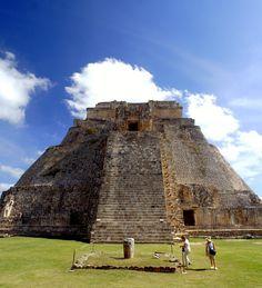 Pirámide del Mago Uxmal México