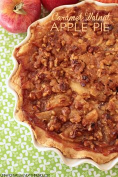 Caramel Walnut Apple Pie - sweets, cupcakes, pies, and more - Torten Apple Pie Recipes, Fall Recipes, Baking Recipes, Apple Pies, Apple Walnut Pie Recipe, Just Desserts, Delicious Desserts, Dessert Recipes, Yummy Food