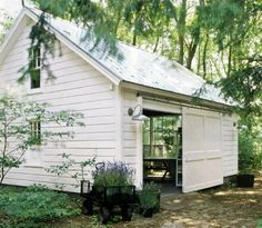 Potting shed. I have a Green House.wondering if Jim would buld me a Potting shed. Outdoor Spaces, Outdoor Living, Outdoor Art, Outdoor Play, Indoor Outdoor, Outdoor Decor, Patio Interior, Dream Studio, White Barn