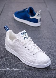 Shoe Basket, Baskets, Funky Shoes, Crazy Shoes, Adidas Fashion, Sneakers Fashion, Vans Authentic Decon, Adidas Stan Smith Outfit, White Sneakers