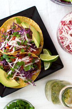 Spicy pan-seared tilapia on a warm corn tortilla with Sriracha  Mein Blog: Alles rund um Genuss & Geschmack  Kochen Backen Braten Vorspeisen Mains & Desserts!