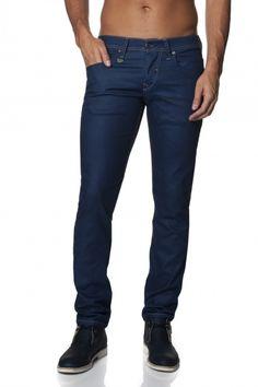 98% Algodão  2% ElastanoUm verdadeiro fit slim. Os jeans Daze possuem uma cinta muito baixa, com um fit muito elegante e moderno, justo no seu todo. Com este modelo descobrirá uma aparência slim vanguardista, com conforto garantido.