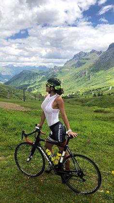 ( *`ω´) If you don't like what you see❤, please be kind and just move along. Bicycle Women, Road Bike Women, Bicycle Girl, Mountain Biking Women, Women's Cycling, Cycling Girls, Bicycle Pictures, Cycle Chic, Bike Style