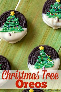 Fun and festive easy to make cookies that are gr… Chocolate Christmas Tree Oreos. Fun and festive easy to make cookies that are great for Christmas. Everyone will love Chocolate Christmas Tree Oreos Christmas Party Food, Xmas Food, Christmas Cupcakes, Christmas Sweets, Christmas Cooking, Christmas Tree Cookies, Christmas Desserts For Kids To Make, Christmas Entertaining, Christmas Deserts Easy