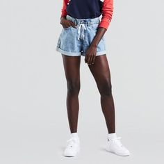 It's time for some throwback style. With a distinct '90s-inspired look, these shorts have a loose fit and are cinched at the waist with a drawstring.