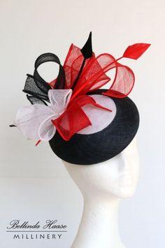 Nouveau noir bleu deux couleurs de hesse net rose avec trois pétales fascinator mariage