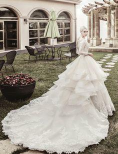 Dress: Kimmisook Wedding