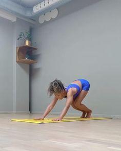 Yoga Handstand, Handstands, Ashtanga Yoga, Yoga Flow, Yoga Meditation, All Yoga Poses, Yoga Posen, Gymnastics Workout, Yoga Nidra