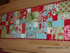 """Samelia's Mum: 12 Days of Christmas Runner {Tutorial} Use a charm pack or 27 x 5"""" squares"""