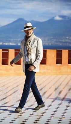 Sophisticated gent. #Elegance #Fashion #Menfashion #Menstyle #Luxury #Dapper #Class #Sartorial #Style #Lookcool #Trendy #Bespoke #Dandy #Classy #Awesome #Amazing #Tailoring #Stylishmen #Gentlemanstyle #Gent #Outfit #TimelessElegance #Charming #Apparel #Clothing #Elegant #Instafashion ...repinned vom GentlemanClub viele tolle Pins rund um das Thema Menswear- schauen Sie auch mal im Blog vorbei www.thegentemanclub.de
