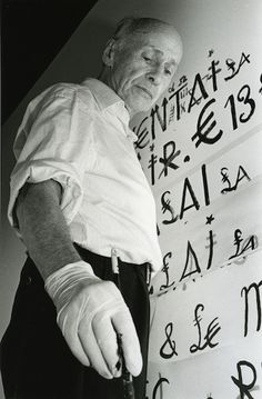 Jacques Mahé in studio Nouveau Realisme, Make Art, Art Studios, Artist At Work, Portraits, Typography, Expositions, People, Space