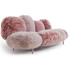 How cute would this sofa be for in my dressing in our new house? #Edra Cipria Sofa. Love, Sarah www.goachi.com