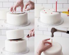 Recipes - Stacking Basics CAKEGIRLS How To Stack Cakes, How To Make Cake, Cake Decorating Techniques, Cake Decorating Tutorials, Decorating Cakes, Fondant Cakes, Cupcake Cakes, Fondant Bow, Car Cakes
