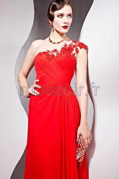 une épaule, asymétrique, sans manches, dos nu, robe de soirée, robe de cérémonie, robe de bal, robe de mariage, robe de cocktail, robe demoiselle d'honneur, robe longues en rouge, fille, femme, mode  http://www.robesoir.fr/207-vancouver-longueur-au-sol-une-epaule-rouge-chiffon-line-a-robes-de-soiree-longue-robes-de-ceremonie-robes-de-cocktail-concours-de-beaute-les-invites-au-mariage-classique.html#