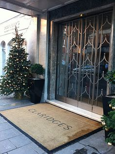 Claridges This place has Style and I want a Champagne Tea...