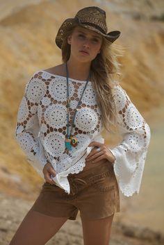 MISS JUNE Weird Fashion, Boho Fashion, Crochet Blouse, Knit Crochet, Modern Crochet, Circle Pattern, Crochet Fashion, Handmade Clothes, Summer Tops