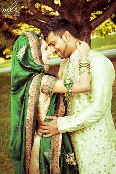 Indian bridal couple  www.weddingsonline.in