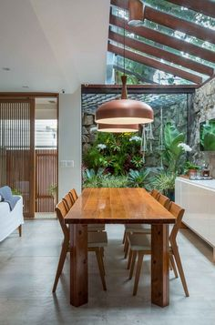 A house in contact with the vegetation, by PKB Arquitetura # .- Una casa en contacto con la vegetación, de PKB Arquitetura A house in contact with the vegetation, by PKB Arquitetura - Top Interior Designers, Home Interior Design, Interior And Exterior, Interior Design Inspiration, Moderne Lofts, Boho Glam Home, Interior Decorating Styles, My Dream Home, Architecture Design