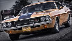 Gold '70 Challenger R/T - by Gordon Dean II