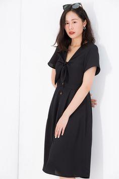 Black And White Shirt, Short Sleeve Dresses, Dresses With Sleeves, Lbd, Stitch Fix, Designer Dresses, Cold Shoulder Dress, Corner, Shirts