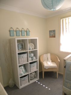 I wish we had another room so Teeny Guy could have had a nursery, love this.
