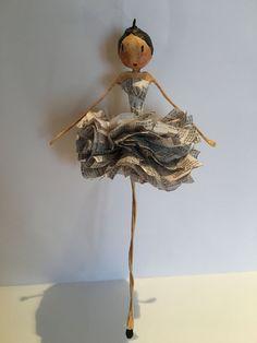 Crochet ideas that you'll love Paper Mache Crafts, Cardboard Crafts, Wire Crafts, Doll Crafts, Clay Crafts, Diy And Crafts, Arts And Crafts, Ballerina Ornaments, Paper Mache Sculpture