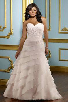 A plus size wedding dresses should be elegant, style, designer wedding dress quite unforgettable and maintained to make it even more beautiful bride.