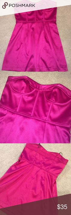 "Laundry dress w/sweetheart neckline Repost! I WISH this dress fit, but I am WAY too tall (I'm 5'8""). It's in flawless condition, and the top has boning in it! Gorgeous color and shape. I'd love to find this exact dress in Tall! Laundry by Design Dresses Mini"