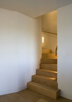 Chantry Farm : Modern corridor, hallway & stairs by Hudson Architects