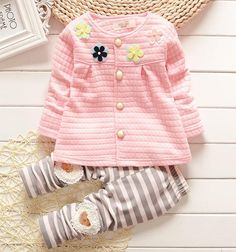 Lovely warm suit for girls. The perfect outfit for the winter. Low price