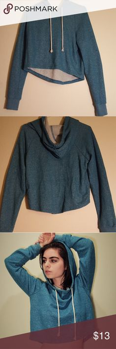 Teal/Blue Cropped Hoodie Teal Hoodie Crop Top It's labeled as a medium, but could also fit as a small depending on your size Forever 21 Tops Crop Tops