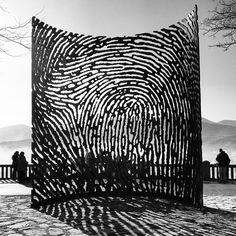 Escultura 'la huella' en Artxanda, Euskadi, Basque Country