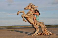 Esculturas de madeira montadas como um quebra-cabeça por Jeffro Uitto