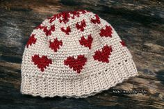 LINK TO PATTERN IS BELOW:-) Since the Knit Stitch AKA Waistcoat Stitch seems to be trending now and the messy bun beanie is still trending, I decided to combine the two into one pattern. And since …