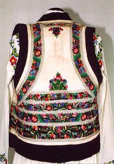 Romanian costume  Sheepskin jacket (bondiţa) , Valea Bistriţei, Neamţ (Moldavia)