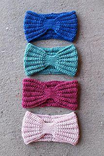 Crochet Headband This is a wonderful free head wrap crochet pattern. It's a fun, fast, and easy crochet pattern that I love and I hope that you'll love too! Crochet Wrap Pattern, Crochet Headband Pattern, Crochet Beanie, Easy Crochet Patterns, Knitting Patterns, Tutorial Crochet, Crochet Headbands, Hat Patterns, Kids Headbands