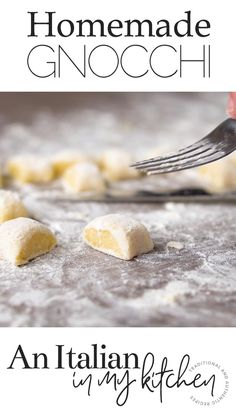 An easy Italian Pasta Dish recipe, Homemade Potato Gnocchi. A simple tomato sauce makes these soft, delicate Gnocchi a delicious Dinner idea. Potato Gnocchi Recipe, Gnocchi Recipes, Gnocchi Sauce, Gnocchi Dishes, Gnocchi Pasta, Potato Pasta, Recipe Pasta, Pasta Casera, Mexican Food Recipes