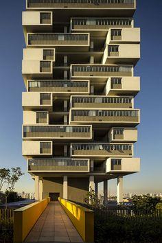 Edificio 360ø, Sao Paulo, Brasil by Isay Weinfeld: pretty cool...