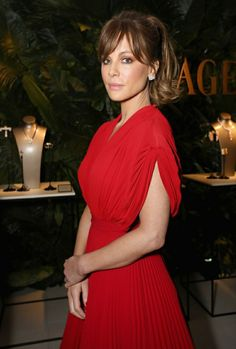 Actress Kate Beckinsale attends a cocktail party to kick-off Independent Spirit Awards and Oscar weekend hosted by Piaget and The Weinstein Company on February 2017 in Los Angeles, California. Weekender, The Jeremy Kyle Show, Kate Beckinsale Hair, Helen Flanagan, Gemma Atkinson, Cheryl Cole, Hollywood, Red Gowns, Old Actress
