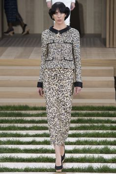 #Chanel #Printemps #2016  Oh look, Muffy: a jacket with properly fitted shoulders.  Mademoiselle would be so pleased.