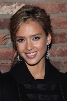jessica alba - has a sweet, pretty look